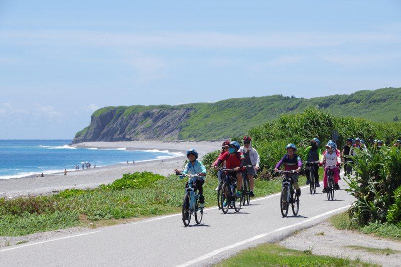 花蓮市公所去年首推「奇萊玩一夏」自行車輕旅行,大受好評,今年以文化、生態、海洋為主題,規畫3條路線。圖/花蓮市公所提供