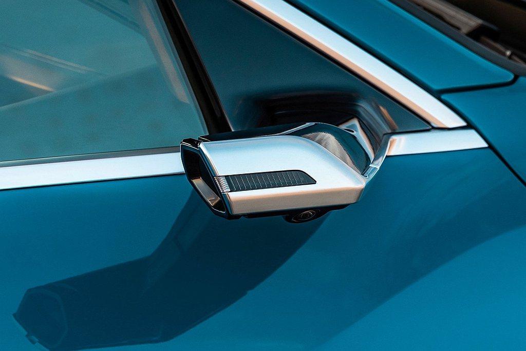 Audi e-tron擁有先進的電能科技,結合電動化quattro恆時四輪傳動系...