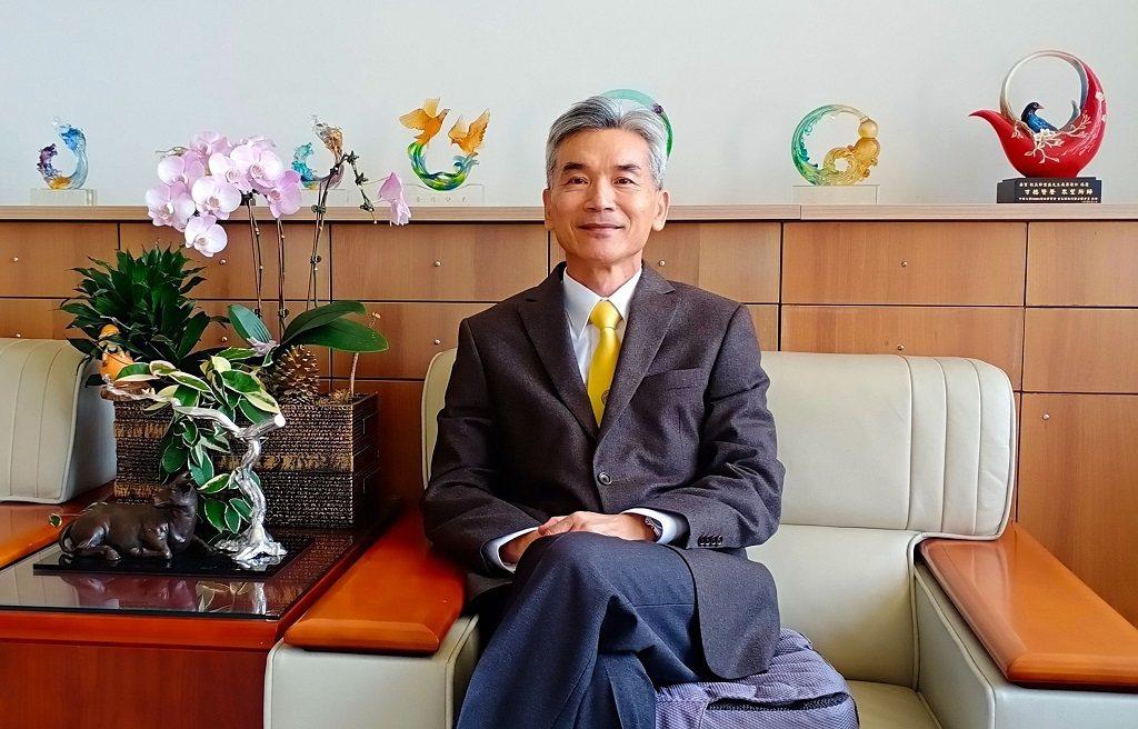 中興大學校長薛富盛認為大學應努力朝國際化發展,當中不可或缺的就是外語力養成。(攝...