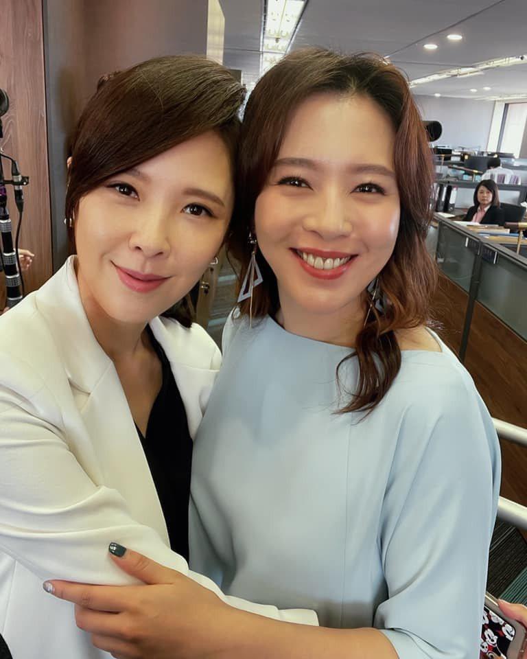 劉品言(右)和天心終於同框,兩人像姊妹。圖/摘自臉書