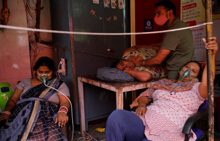 印度疫情持續惡化。路透