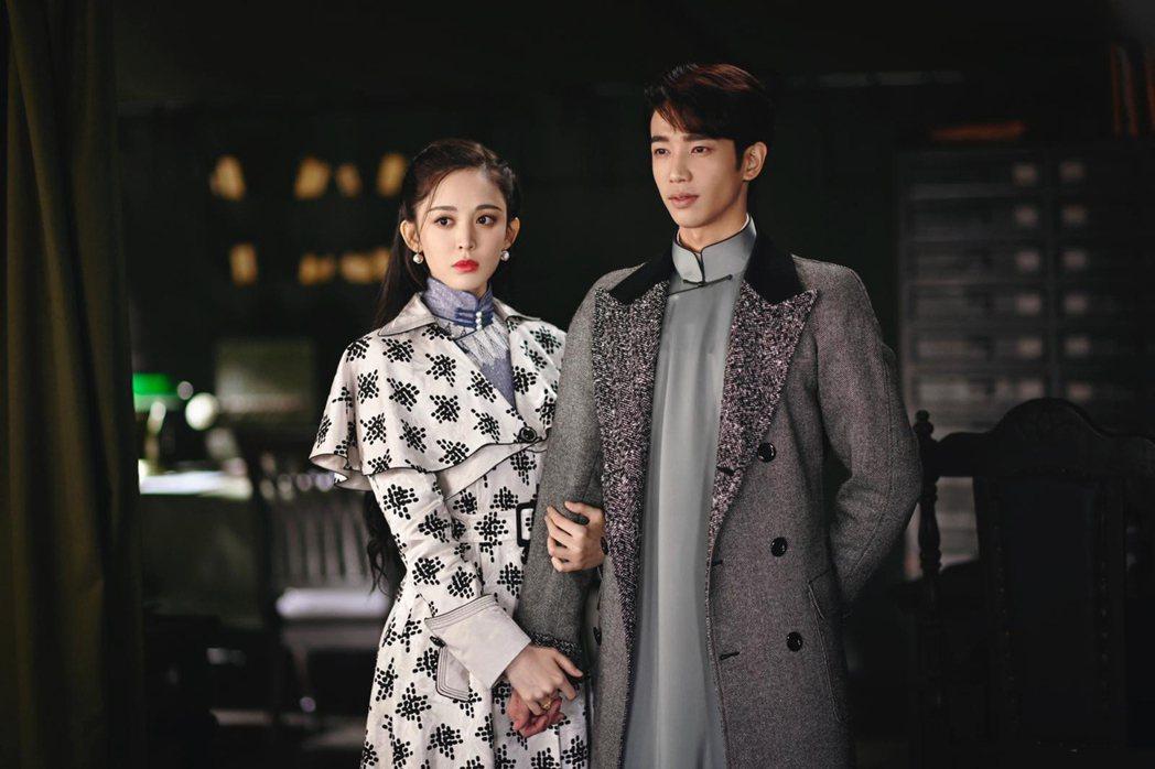 劉以豪(右)和古力娜扎合作大陸劇「十二譚」。圖/LiTV、劉以豪工作室提供