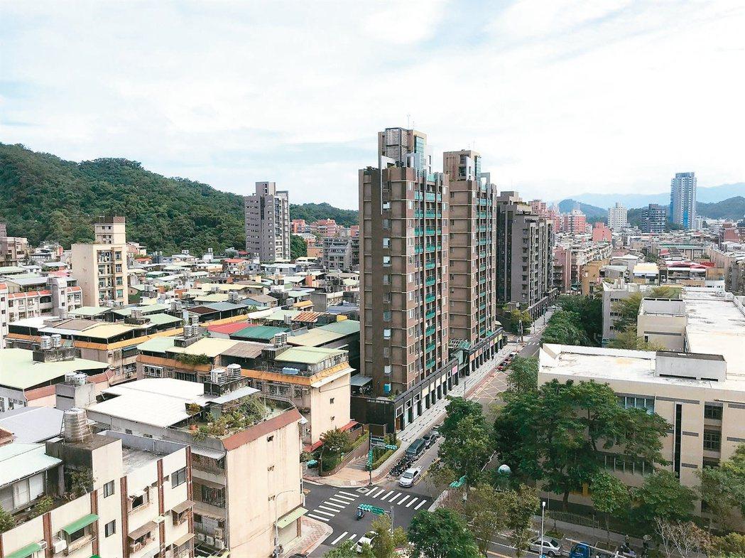 位處蛋白區的台北市內湖區無論公寓或大樓產品,價格相對親民,是成交熱區。 (本報系...