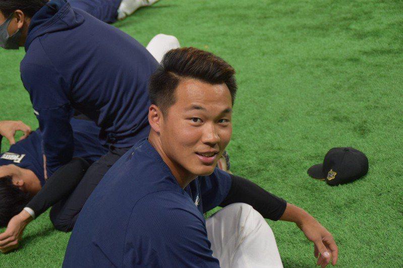 效力日本火腿隊的台將王柏融今天先發出賽,對戰樂天金鷲隊先發投手、「神之子」田中將大。 圖/取自火腿隊官方推特