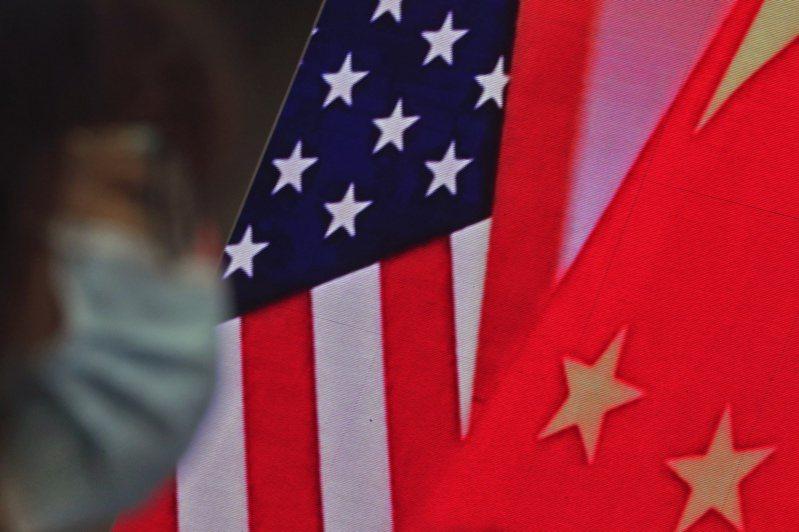 美中专家近期对话指出,前美国总统川普执政时双方沟通不良导致关系恶化,即使竞争压过合作的格局成形,双方仍有必要恢复基本常态沟通,并修补民间交流所受损害。美联社(photo:UDN)