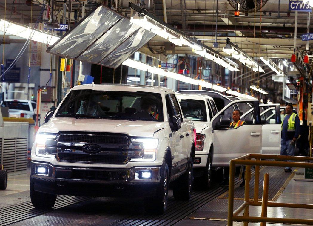 白宮會議主要目的,是解決車用晶片短缺問題,並討論如何強化並確保美國半導體產業。 ...