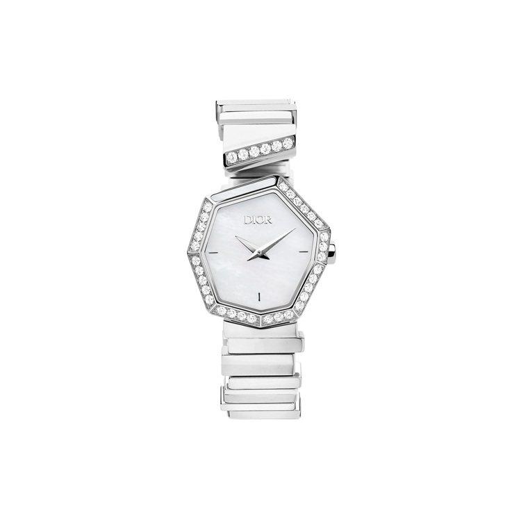 GEM DIOR精鋼鑽石與白色珠母貝表盤腕表,31萬元。圖/DIOR提供