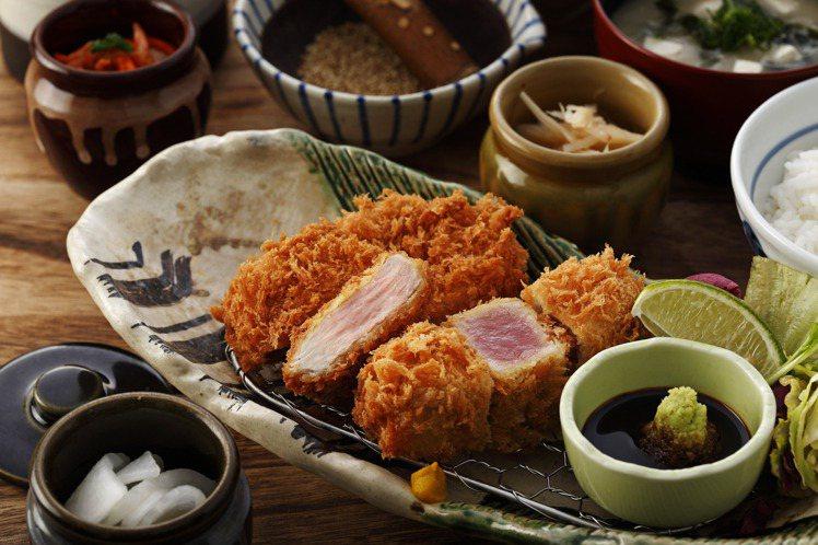 勝政「酥炸鮪魚腰內豬排套餐」,每份480元。圖/勝政豬排提供