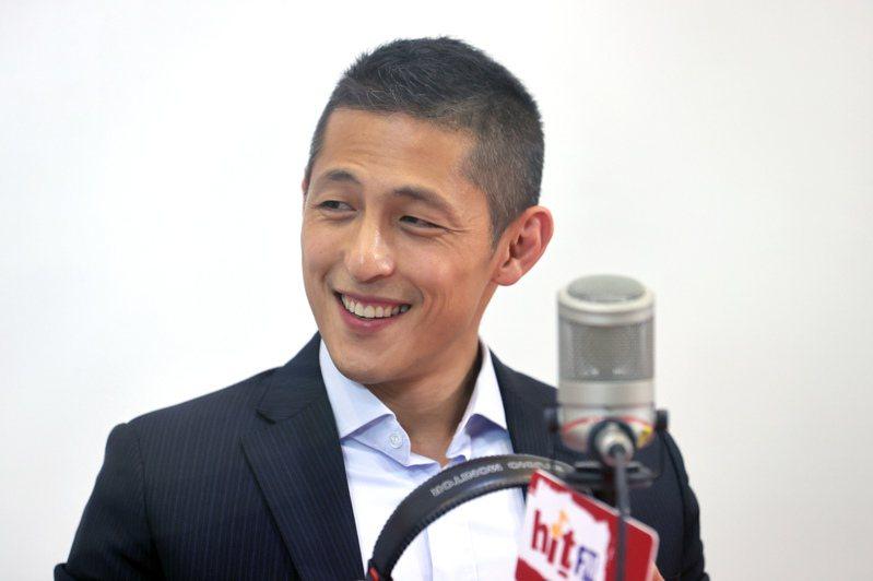 吳怡農因為型男外表,人氣興旺,但是政壇歷練不足。記者蘇健忠/攝影