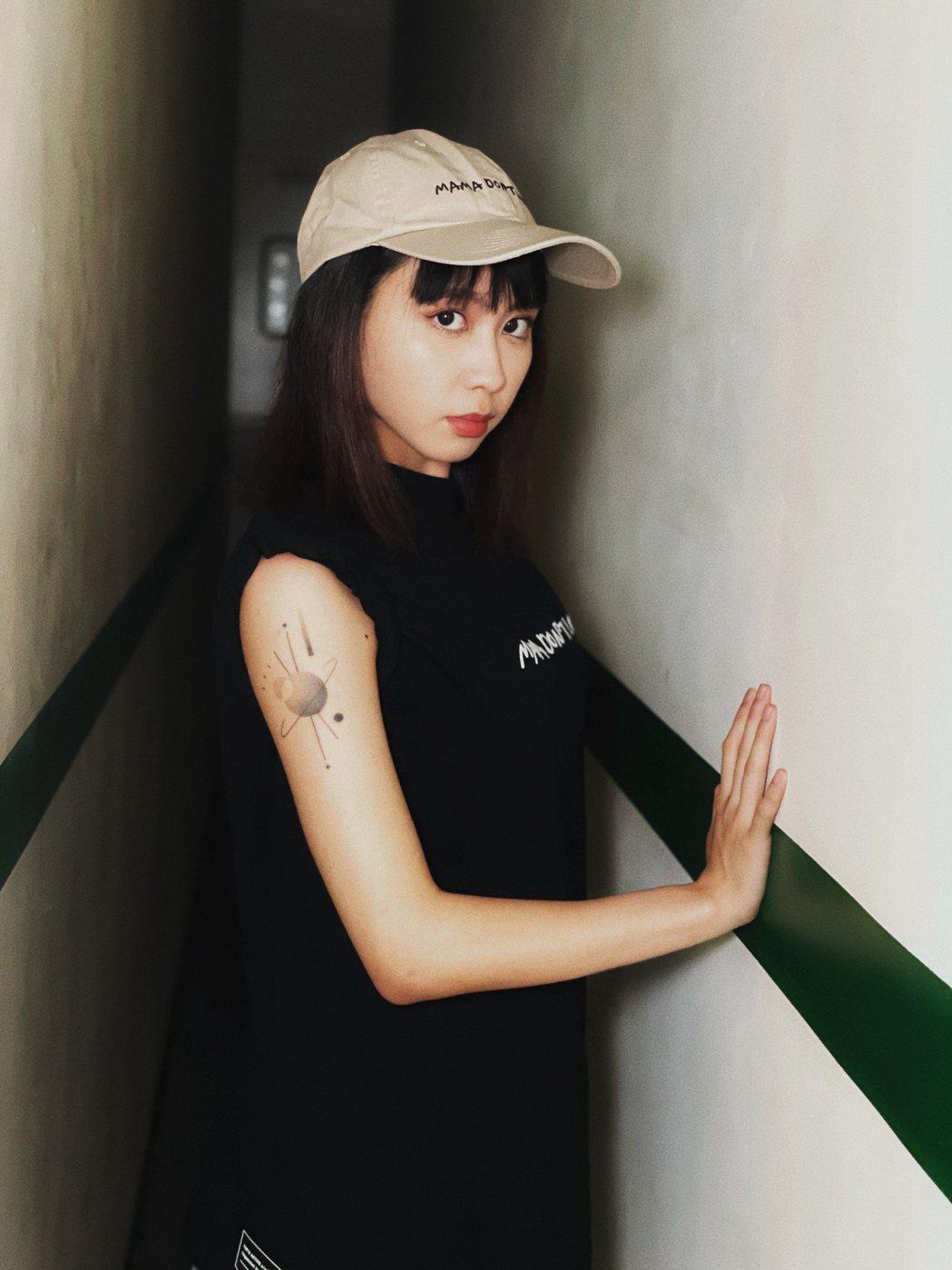 李芷婷花半年設計個人專屬刺青圖案。圖/YUYU ACTIVE提供