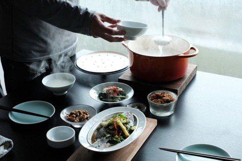 在家吃粥,也可以是非常浪漫有排場的事。 圖/黃威融提供