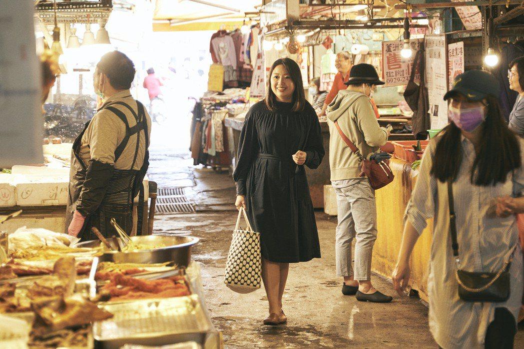 蘆洲中山市場,老派少女洪愛珠從小跟著外婆和媽媽逛傳統市場。 圖/陳敏佳攝影