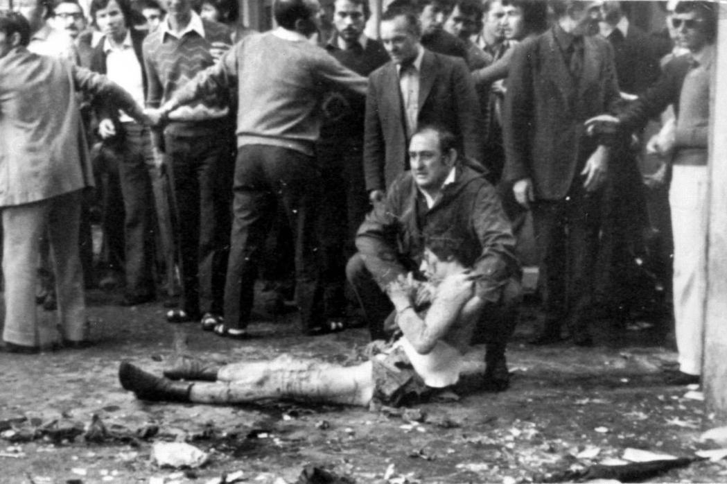 「義大利,是唯一一個政治恐怖主義長期存在的歐洲大國。」圖為1974年極左翼發動的...