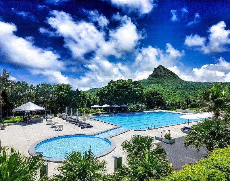 華泰瑞苑,坐擁大尖山景色,內有廣闊泳池。名列屏東區最受歡迎的度假飯店。 業者/提...