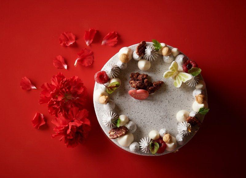 台北福華點心坊設計2款母親節蛋糕,其一「共行」為6吋的養生高纖雜糧蛋糕。 業者/...