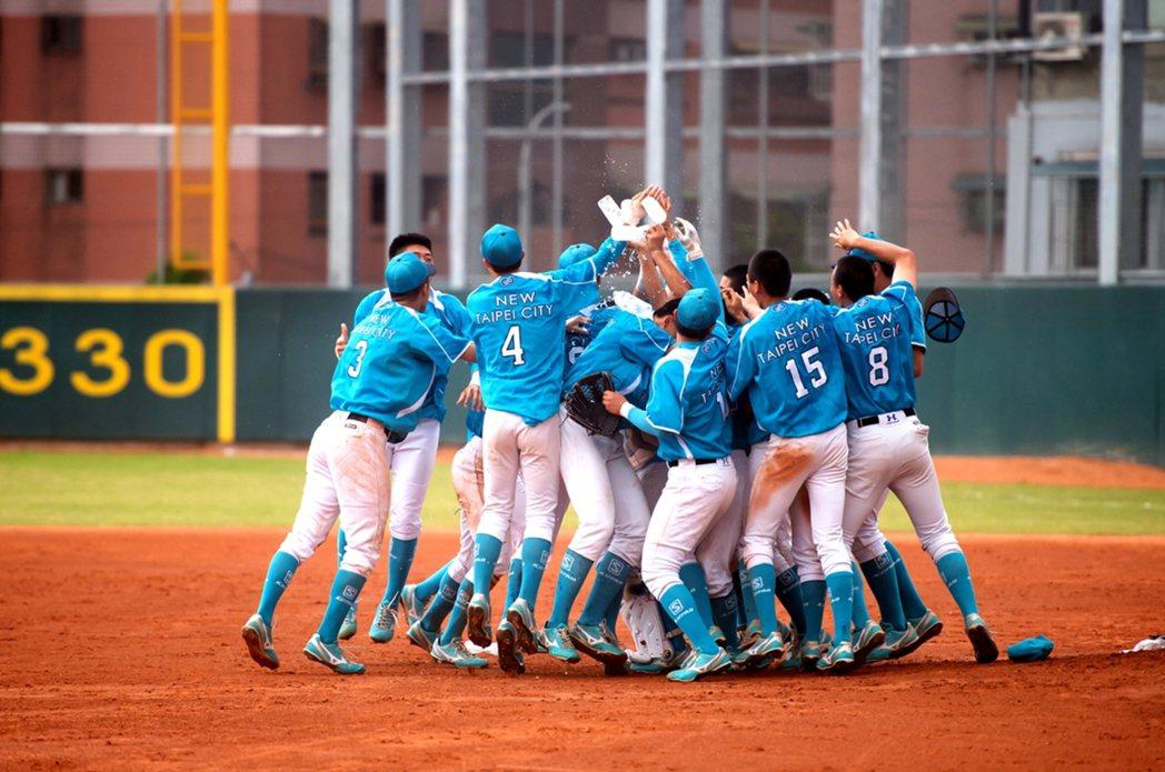 110年王貞治盃全國青棒錦標賽4日將開打,共16支球隊參賽,冠軍隊取得小馬青棒代