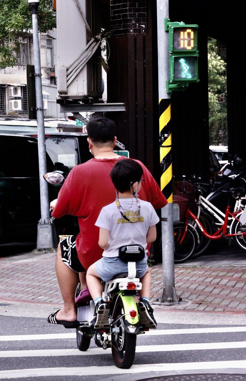 電動自行車是否該納強制險?電動自行車業者反映,業者都很希望納保險。本報資料照片