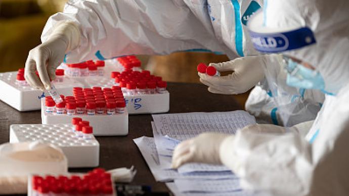 大陸昨新增確診11例,均為境外移入。澎湃新聞