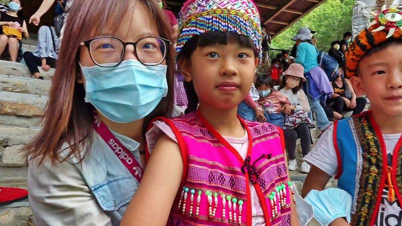 九族文化村更推出五月壽星媽媽專案,讓全家度過一個難忘的原民風母親節和生日慶生會。圖/九族文化村提供