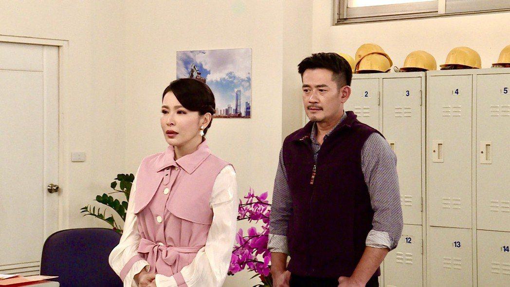 德馨(左)、柯叔元日前為「多情城市」拍攝離婚戲。圖/民視提供