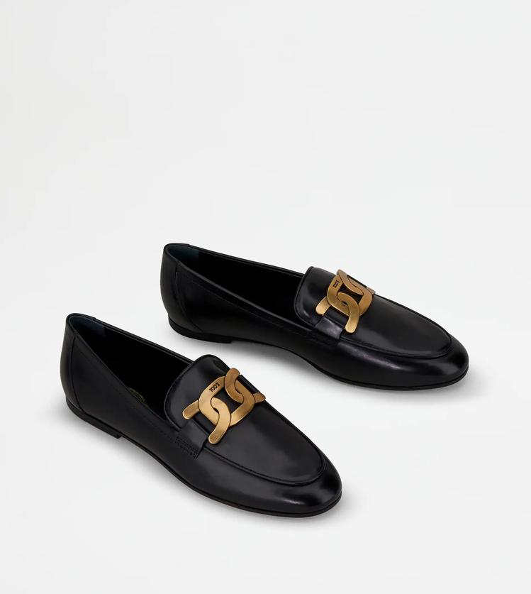 Tod's Kate黑色皮革樂福鞋,28,300元。圖/迪生提供
