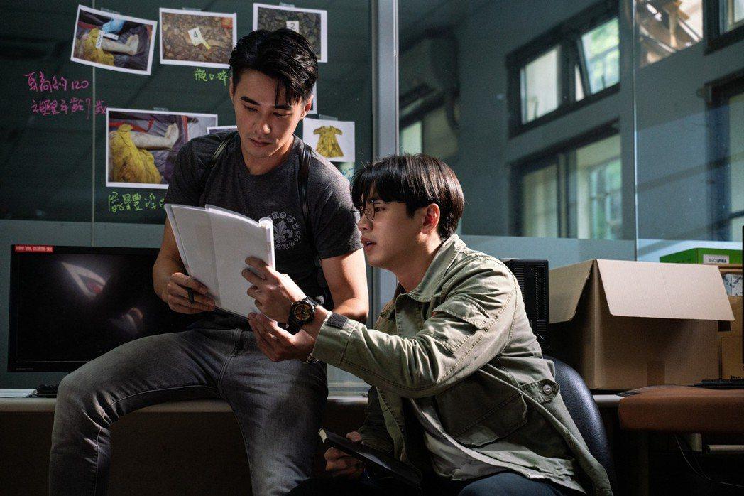 是元介(左)和禾浩辰扮演一對刑警搭檔。圖/甲上提供