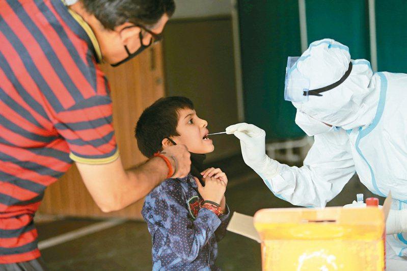 印度新冠疫情再度爆發,檢測、醫材需求孔急,台廠獲急單。(本報系資料庫)