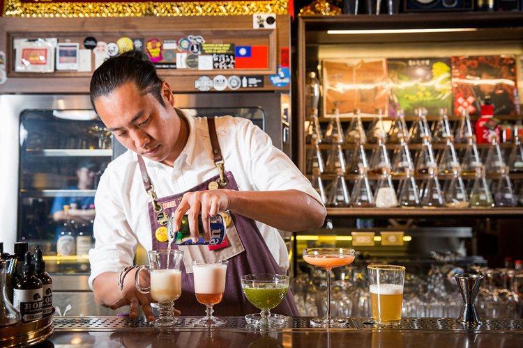 AHA Saloon亞洲第一頂尖調酒師尹德凱,善用海尼根0.0零酒精集啤酒花、麥...