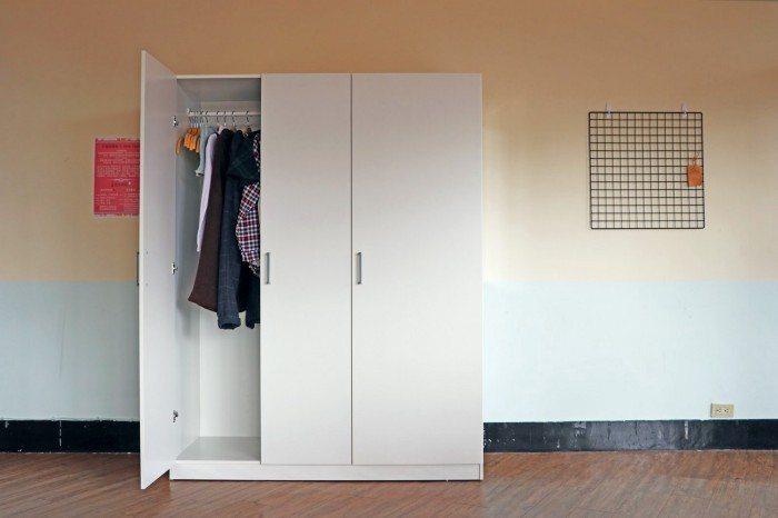 宿舍二手衣交換衣櫃。 圖/衣服圖書館提供