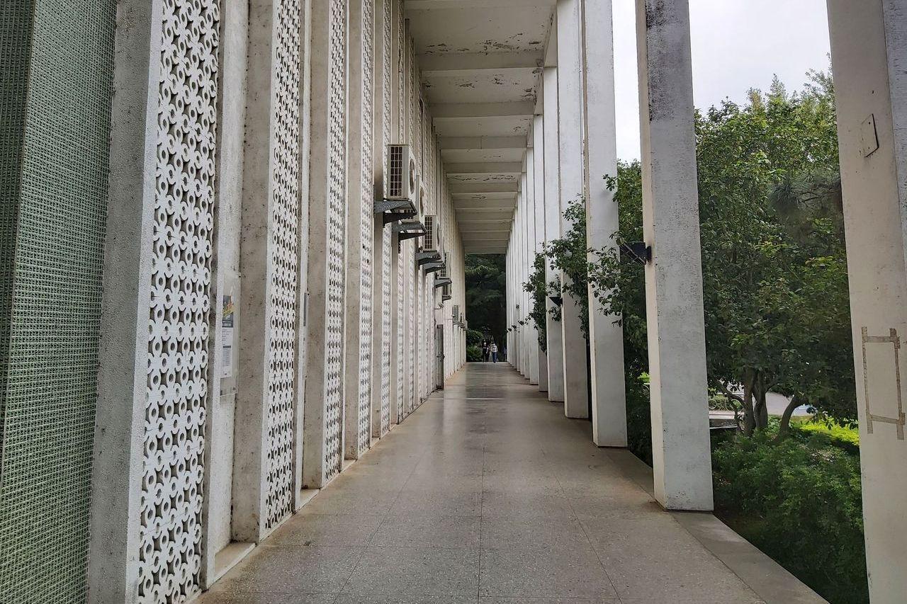 中央大學男女貼窗「疊疊樂」網瘋傳 學生會證實成員目擊