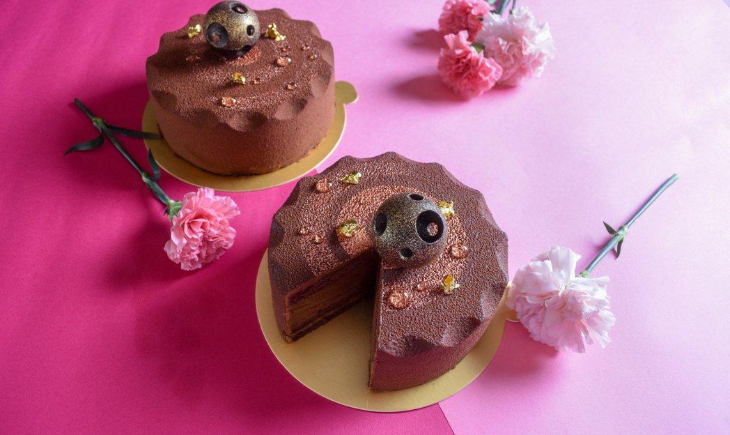 圓山大飯店母親節蛋糕濃情鉑金巧克力三重奏慕斯。