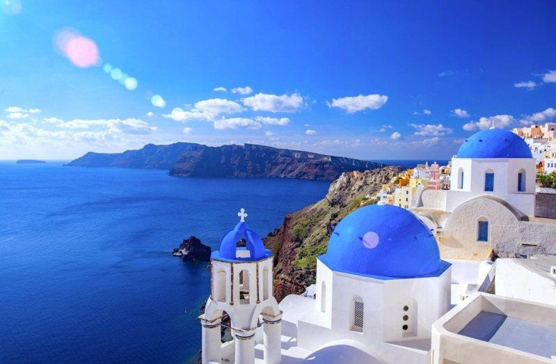 希臘3日宣布重新開放餐廳及酒吧,希望藉由進一步放寬防疫限制,迎接5月15日開始的旅遊旺季。(photo by pxhere)