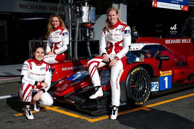 三位車手Beitske Visser、Sophia Flörsch與Tatian...