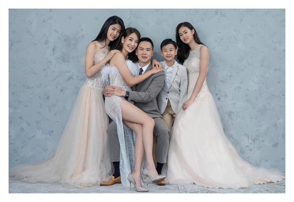 賈永婕生了3個,一家幸福。圖/摘自臉書