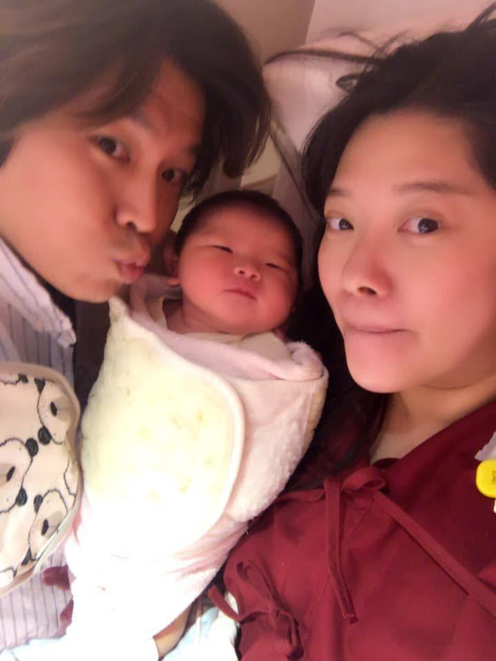 Mei和阿弟不知不覺也生了3胎。圖/摘自臉書
