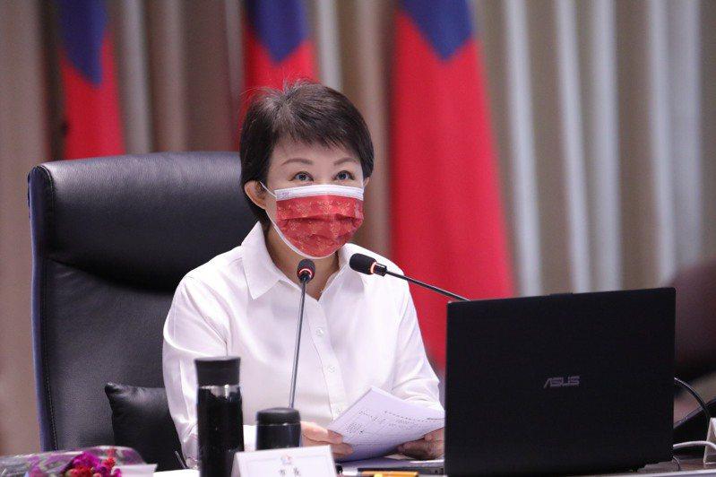 台中市長盧秀燕今表示,台中疫情尚平安,籲市民做好防護,口罩要戴緊。 記者陳秋雲/攝影