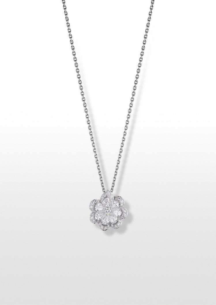 Precious Lace系列Mini Froufrou花卉項鍊,獲公平採礦認證...