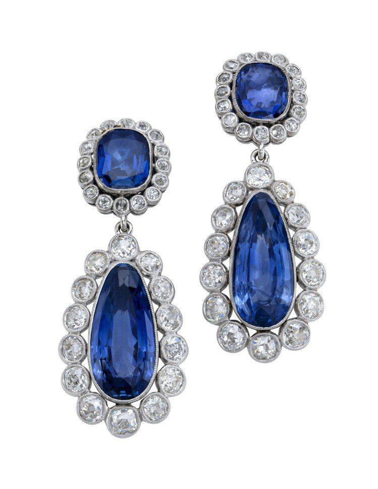 佳士得日內瓦將拍賣一系列來自拿破崙家族的錫蘭藍寶石鑽石珠寶,包括項鍊、耳環、胸針...