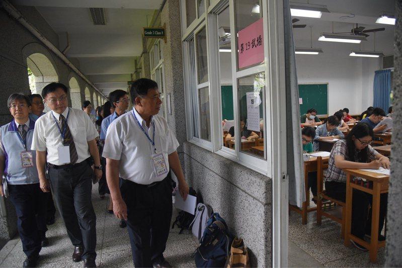 南投縣獎勵資深代理教師,在教師甄選時筆試加分獎勵。圖/南投縣政府提供