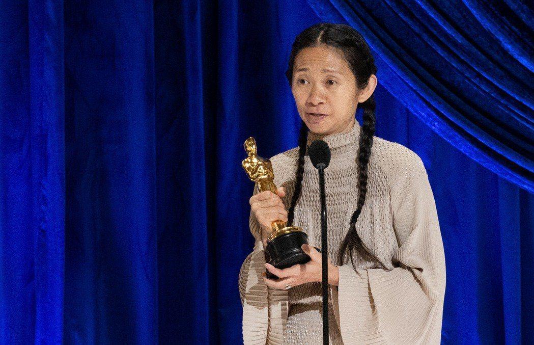 甫以「游牧人生」拿下奧斯卡獎最佳導演、最佳影片的大陸女導演趙婷,先前籌拍的漫威大...