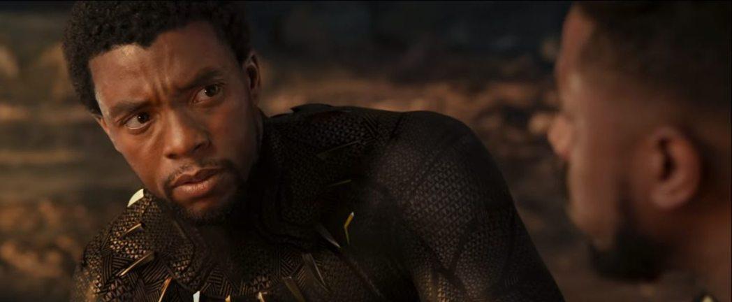 查德威克鮑斯曼在「黑豹」中飾演的帝查拉永遠讓漫威迷懷念。圖/摘自漫威影業YouT...
