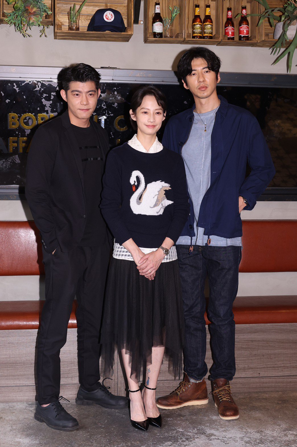 王柏傑(左起)、簡嫚書、傅孟柏出席新影集「美食無間」卡司發表會。記者王聰賢/攝影