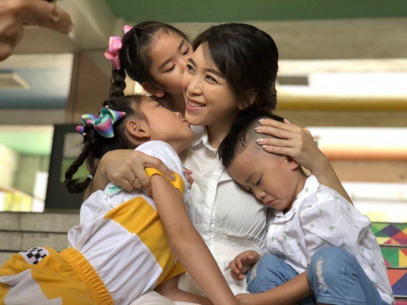 孫湘涵是幸福的「三寶媽」,和3個孩子感情緊密,她說,不排斥生第4胎,若能添一對雙胞胎更好。記者王慧瑛/攝影