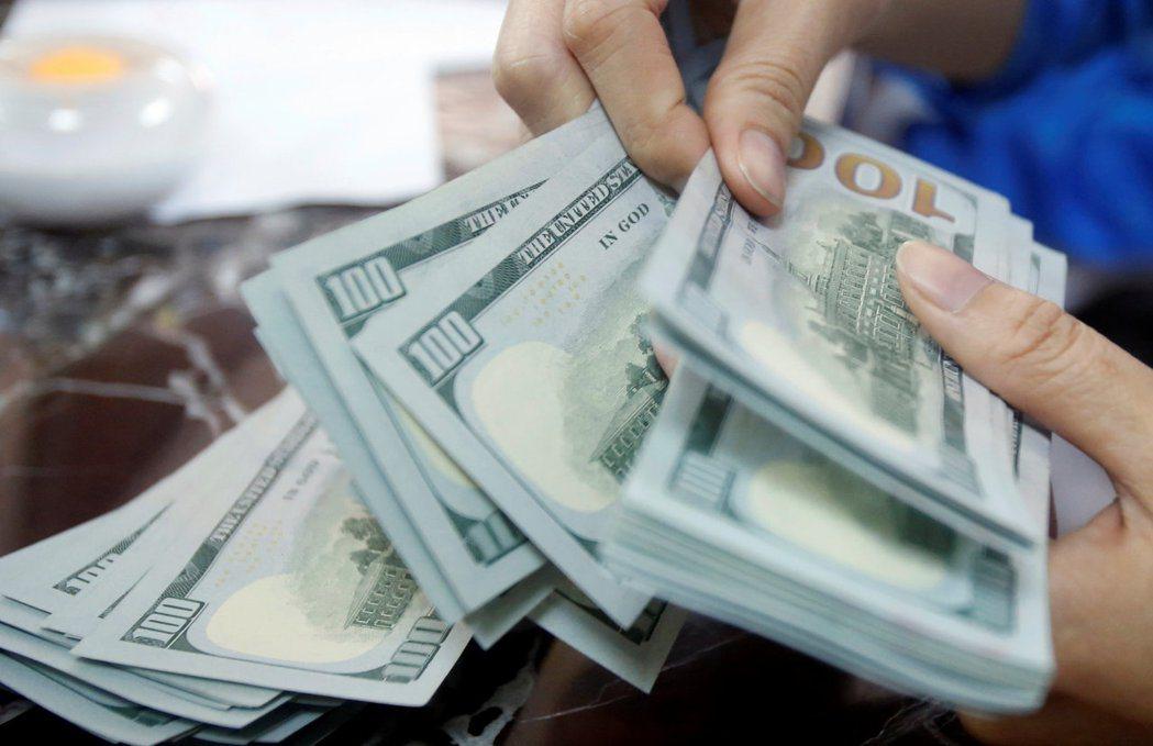 法人分析,新興美元債基本面有撐,平均殖利率較美公債及全球投資級債高。(路透)