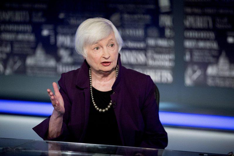 美國財長葉倫表示,利率可能必須調高,以避免經濟過熱。圖/美聯社
