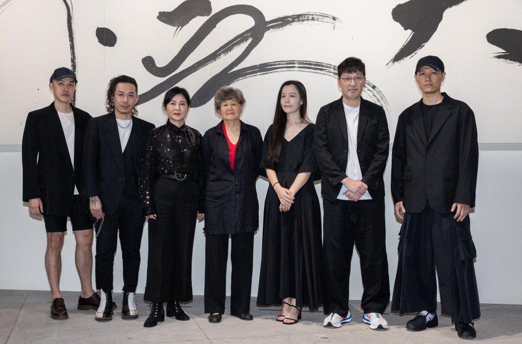 董陽孜邀請年輕設計師,以她的文字線條為創意。記者沈昱嘉/攝影