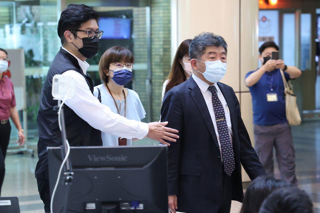 衛福部部長陳時中(右)。記者葉信菉/攝影