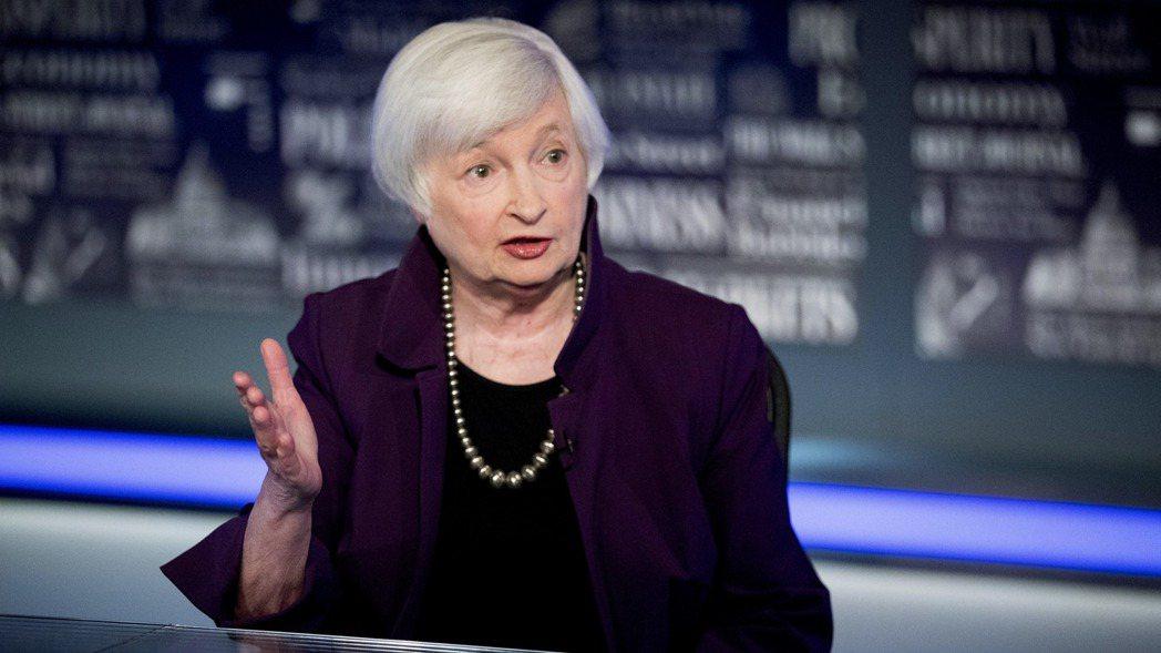 美國財長葉倫4日澄清稍早有關利率的言論。(美聯社)