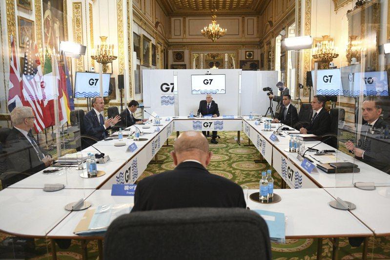 七大工業國集團(G7)將於今年6月11至13日,在英國康瓦爾舉辦峰會,七國外交部長4日暌違兩年先於倫敦舉行面對面會談、並為6月峰會準備,而首日登場的議程聚焦於七國如何形成共同陣線,對抗越來越獨斷的中國。美聯社