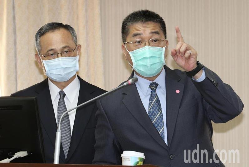 內政部長徐國勇(右)、警政署長陳家欽(左)。記者黃義書/攝影
